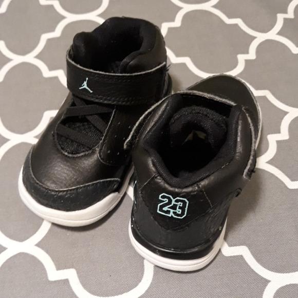 Jordan baby shoes sneakers sz.5C